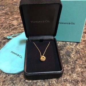 Tiffany & Co twist knot necklace in yellow gold